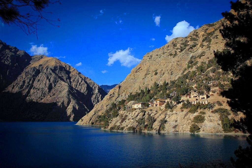 Trekking in Dolpo- Phoksundo Lake